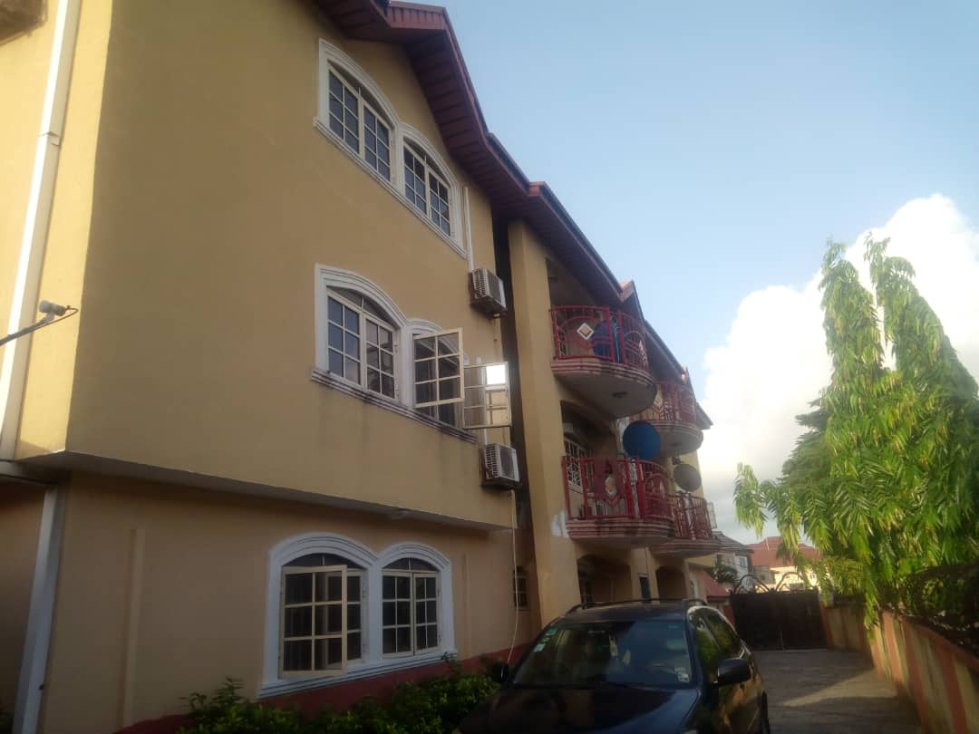 Adorable Three Bedroom Flat at Lekki