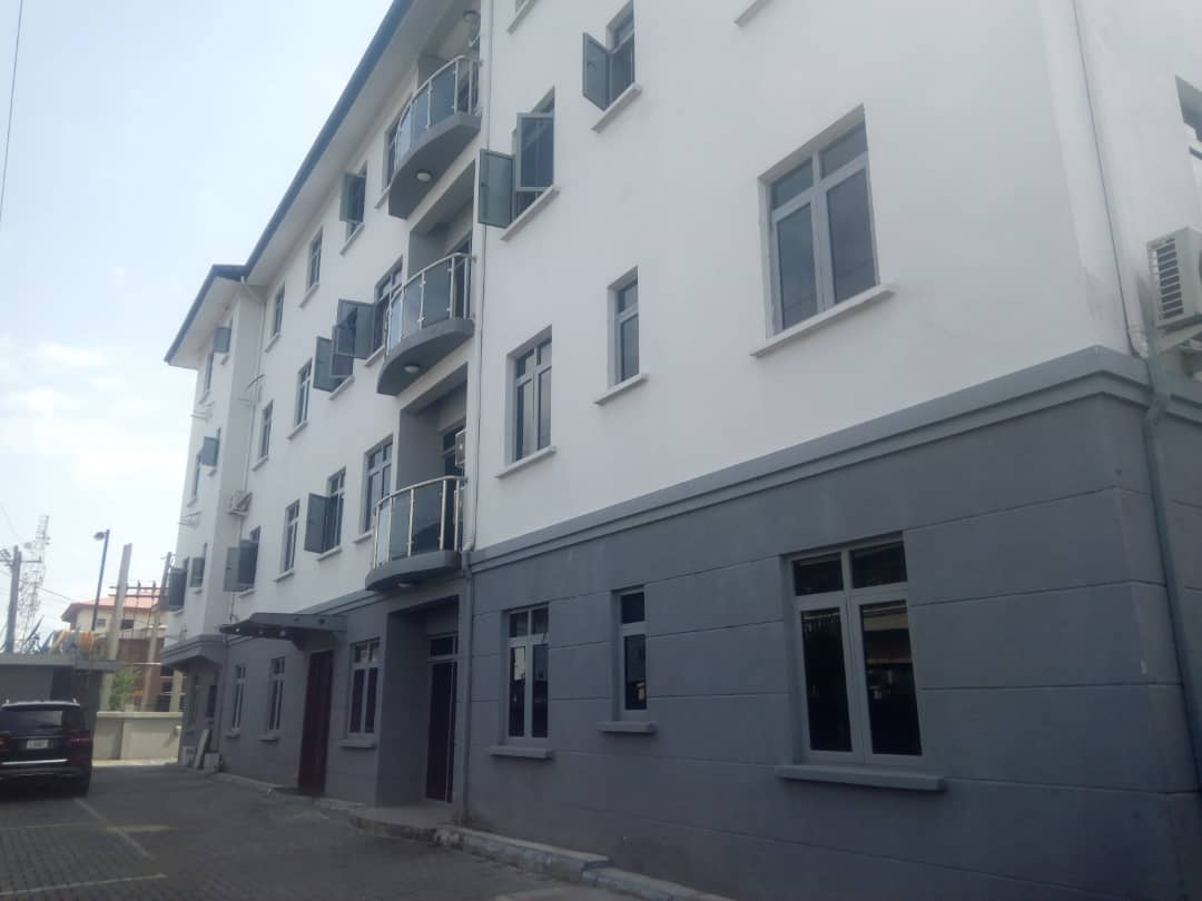 Serviced Three Bedroom Flat at Lekki